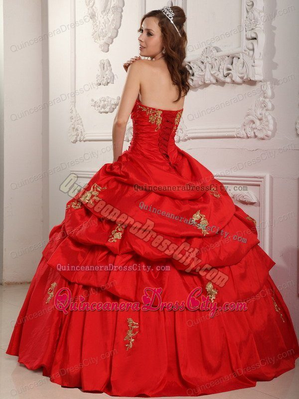 Simple Red Color Sweetheart Quinceanera Gown with Gold Appliques Under 200