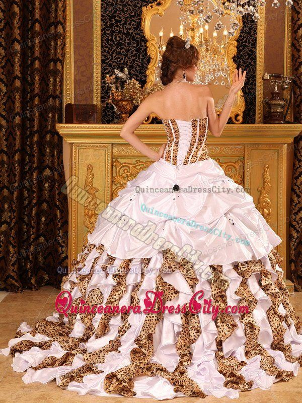 Leopard Patern White Taffeta Quinceanera Dress Ruffled Bottom with Train