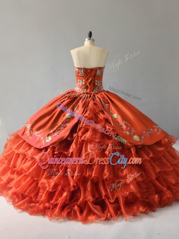 red big quinceanera dress,red quinceanera gowns,ruby red quinceanera dress,organza satin quinceanera dress,organza ruffled ball gown quinceanera dress,red ruffled quinceanera dress,red quinceanera dress with gold embroidery,sweetheart neckline quinceanera dress,