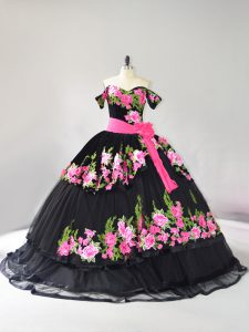 Western Charro Black Off The Shoulder Quinceanera Dress Embroidery with Train